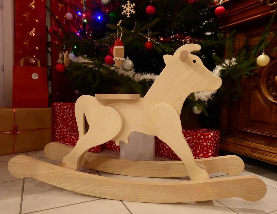 La Vache à Bascule en bois
