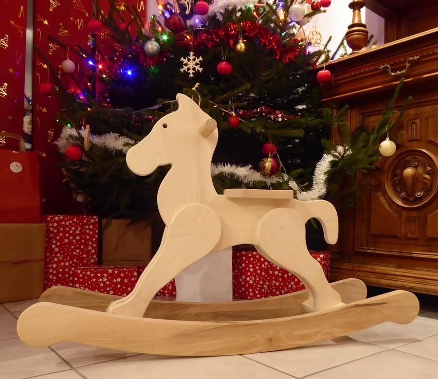Le Cheval à Bascule en bois